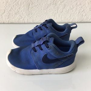 Kids Nike Rosche shoes 7C